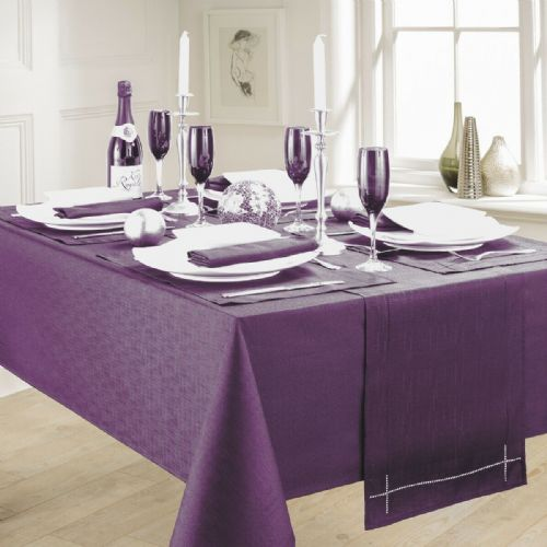 LINEN LOOK PLAIN SLUBBED XMAS CHRISTMAS TABLECLOTH OR RUNNERS DINNER PARTY LINEN PURPLE